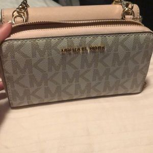 7153659594ff Michael Kors Bags - MK BAG COMES WITH WALLEt and purse attached